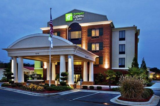 McDonough, GA: Hotel Exterior