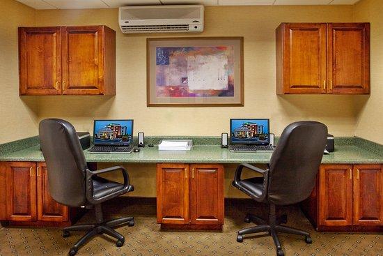 McDonough, GA: Business Center