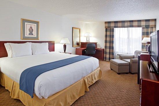 Alliance, Οχάιο: King Bed Guest Room