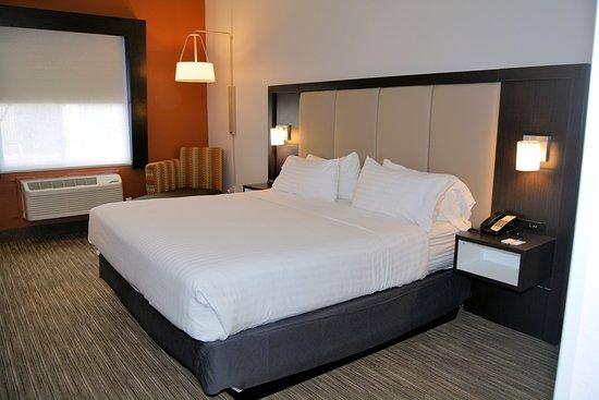 Abilene, TX: King Bed Guest Room