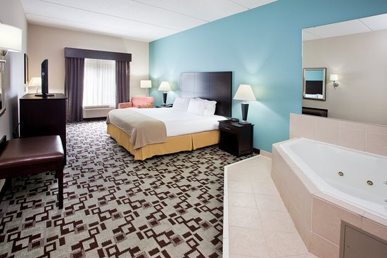 Holiday Inn Express Apex Raleigh King Bedroom With Jacuzzi Hotel