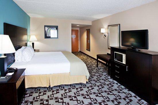 Holiday Inn Express Apex Raleigh Ada Handiced King Guest Room