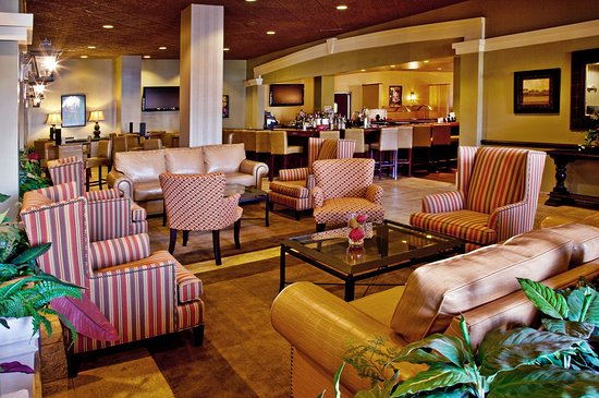 Holiday Inn Lafayette - City Centre: Bar and Lounge