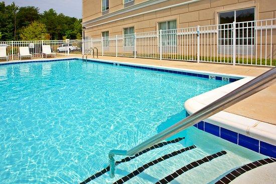 ดัมฟรายส์, เวอร์จิเนีย: Swimming Pool