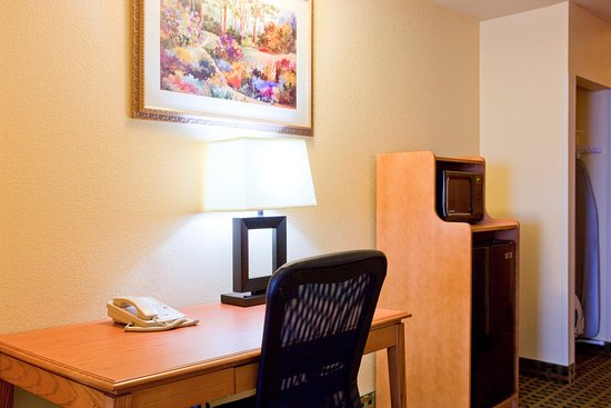 Hesperia Victorville Room Feature