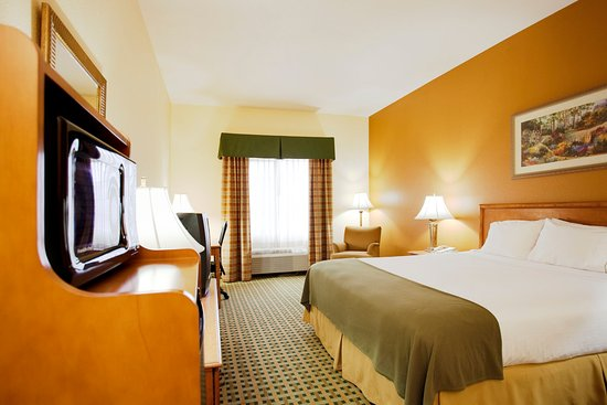 Holiday Inn Express Hesperia Victorville King Bed Guest Room