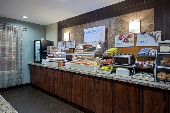 Salamanca, NY: Enjoy breakfast from our complimentary Breakfast Bar