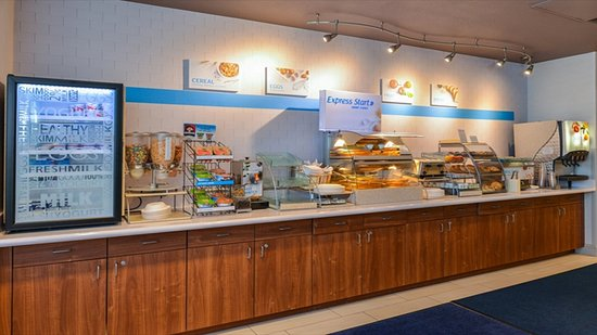 Sacramento Holiday Inn Express Woodland Breakfast Bar