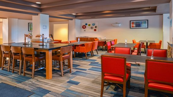 Sacramento Holiday Inn Express Woodland Breakfast Area