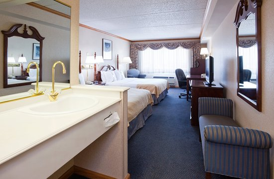 Port Washington, Висконсин: Deluxe Room with views of Lake Michigan