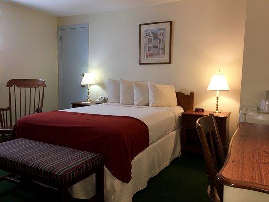Northampton, MA: One Full Bed