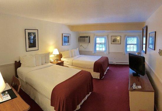 Northampton, ماساتشوستس: Two Full Beds
