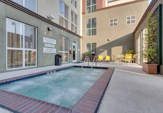 Millbrae, CA: Whirlpool Spa