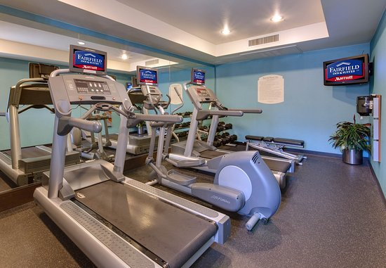 Millbrae, CA: Fitness Center