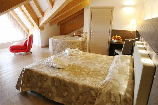 Grand Hotel Miramonti: Suite matrimoniale