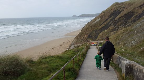 Perran Sands Holiday Park - Haven: Walking down to beach