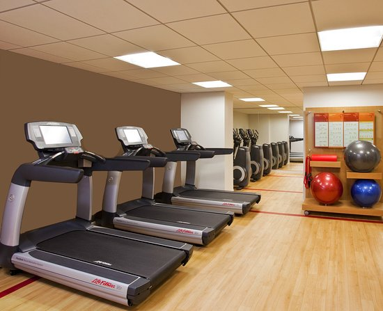 Hauppauge, NY: UPSKY Fitness Center