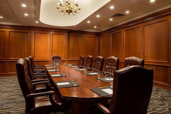 Leominster, MA: Boardroom