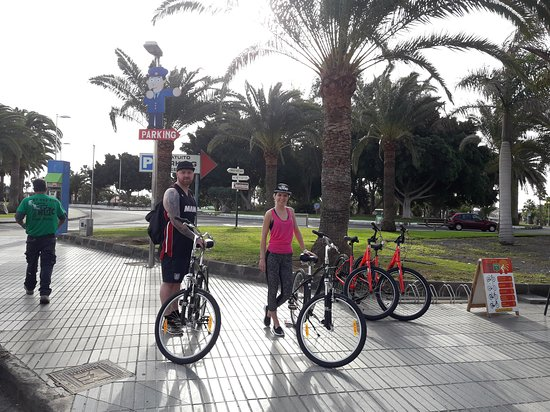 Scotts Rent a Bike & excursion shop