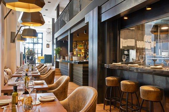 Informal barcelona barrio gotico barri gotic restaurant reviews phone number photos - Restaurant umo barcelona ...