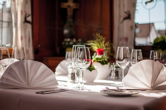 Restaurant Hirsch: Unser gemütliches Lokal