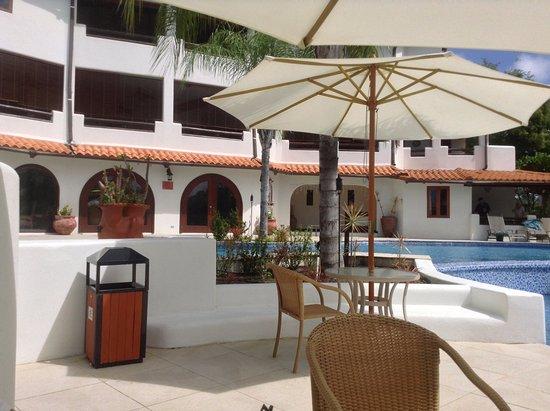 Sugar Cane Club Hotel & Spa: Pool Area