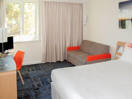 Vitrolles, Francia: Guest Room