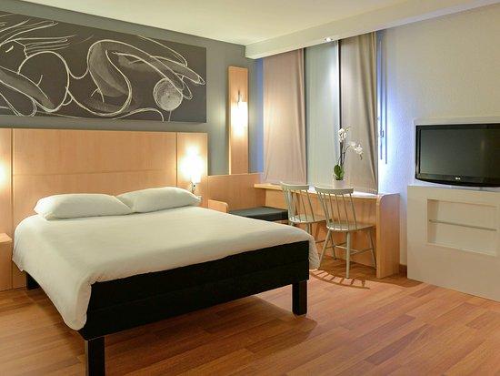Creches-sur-Saone, Francia: Guest Room