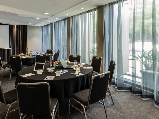 Quay West Suites Melbourne: Meeting Room