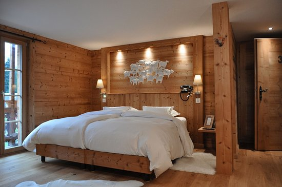 Champery, Switzerland: Double King Room