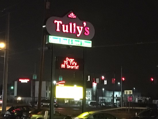 Liverpool, NY: Tully's - sign out at street