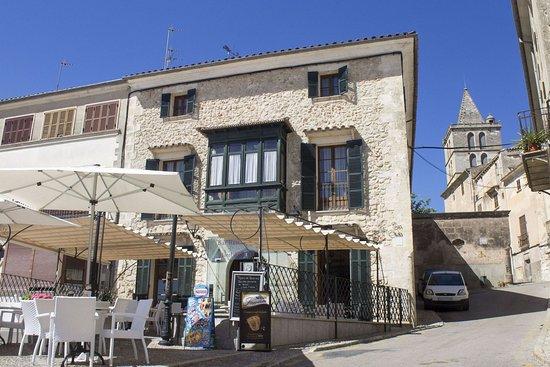 Sineu, Spain: Exterior