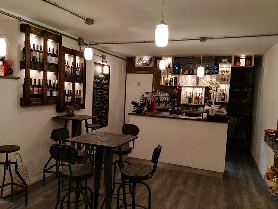 Cerreto Guidi, Italy: Wineria Aperitivino