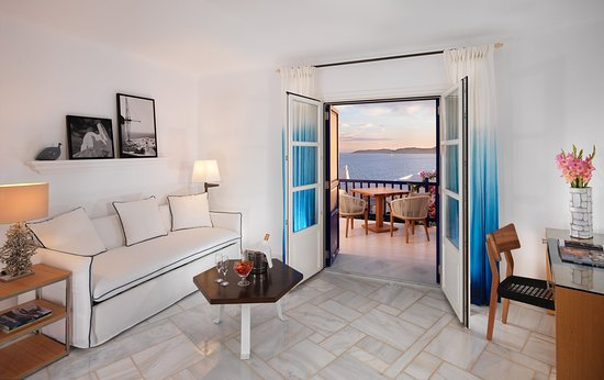 ‪‪Mykonos Grand Hotel & Resort‬: Suite Separate living room with sea view‬