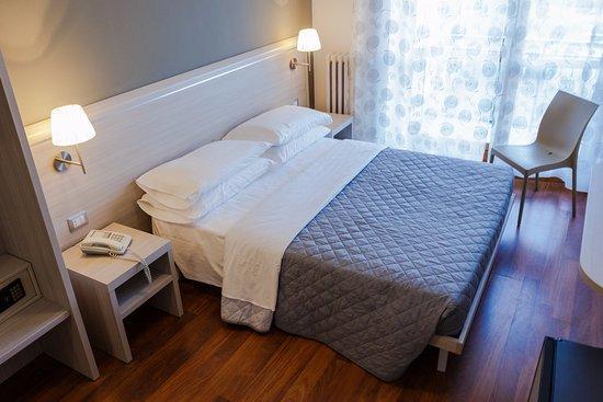Hotel Primavera Moncalieri Via Leopardi Giacomo