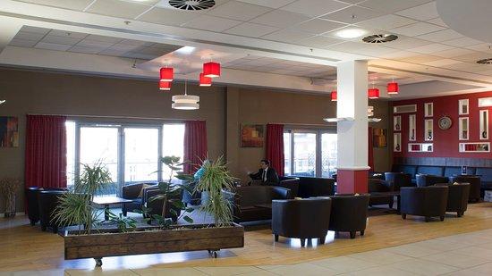 Holiday Inn  Express Hull City Centre: Elevator Lobby