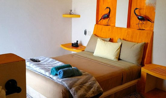 Casita de Maya: Second Floor Queen Suite