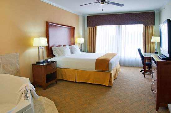 Holiday Inn Express Lufkin South: Jacuzzi Suite