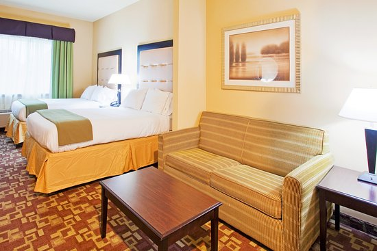 Holiday Inn Express & Suites Foley/N Gulf Shores AL 2 Queen Suite