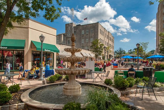 Ardmore, Pensilvanya: Shopping in Suburban Square
