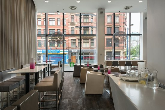 Crowne Plaza Manchester City Centre: Bar and Lounge