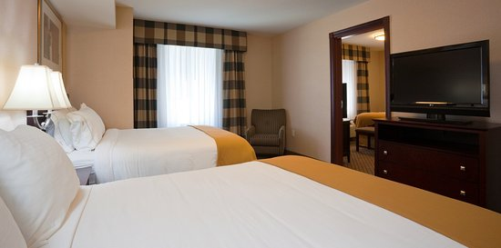 Holiday Inn Express Hotel & Suites Winona: Suite