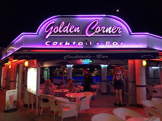 Golden Corner Cocktail Bar: Took this Photo so we would not forget them Thank OVI.