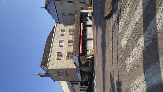 Pouilly-en-Auxois, France : Hôtel de la poste