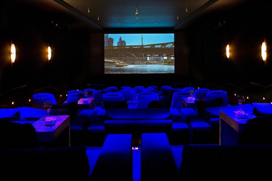 theWit - A DoubleTree by Hilton: SCREEN Private Theater