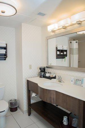 Дартмут, Канада: Guest Bathroom