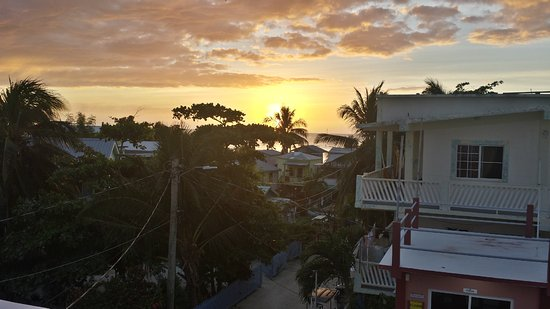 Caye Caulker Condos: Sunset from the roof-top