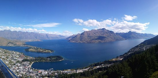 Квинстаун, Новая Зеландия: 퀸스타운 시내, 와카티푸 호수, 리마커블 산맥