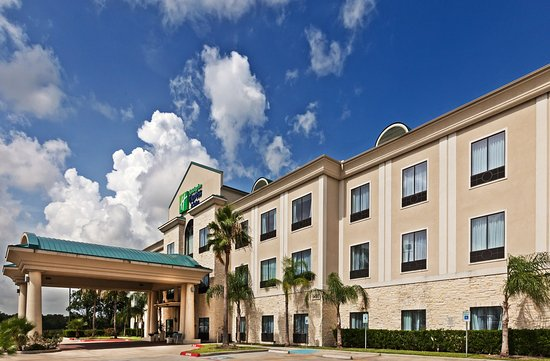 Holiday Inn Express Hotel & Suites Houston-Alvin : Hotel Exterior