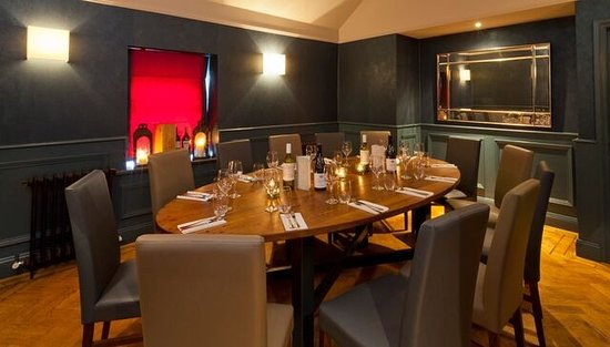 Maynooth, Irlanda: Our Private Dining room, seats 12max